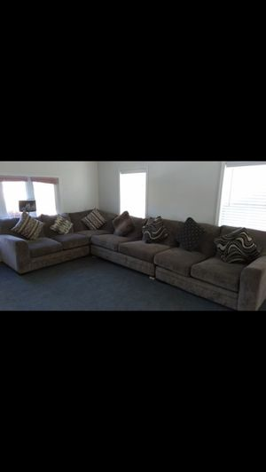 Very comfortable sectional sofa with coffee table for Sale in South Kensington, MD