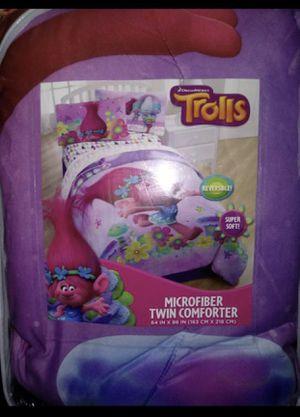 Troll reversible comforter for Sale in Lynwood, CA