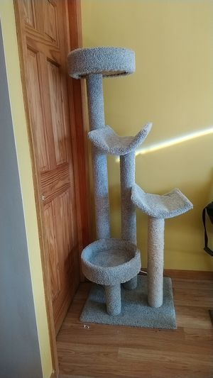 Cat climbing tower for Sale in Plainfield, IL
