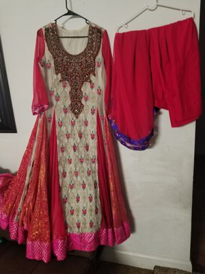 Party wear dress size large for Sale in Baltimore, MD
