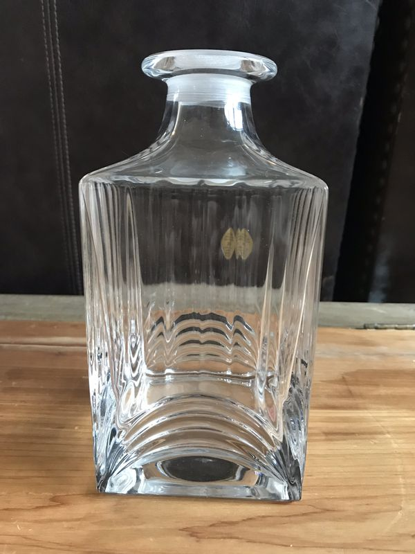 Italian made royal rock crystal decanters missing one stopper sold as a set, if you are interested pick up only