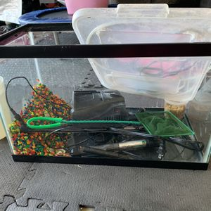 Small Fish Tank for Sale in Huntington Beach, CA