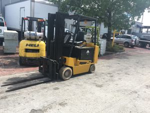 Yale Electric Forklift for Sale in Coral Gables, FL