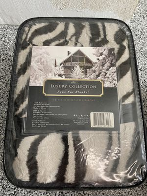 King Faux Fur Blanket for Sale in San Juan Capistrano, CA