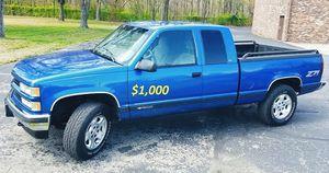 🔥$1000 I'm selling my Chevrolet 1500 Silverado 1997 for Sale in Springfield, MA