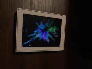 iPad Wi-Fi 32GB White for Sale in Indianapolis, IN