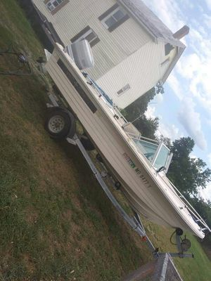 Nice boat sporty fishing or relaxing for Sale in Frederick, MD