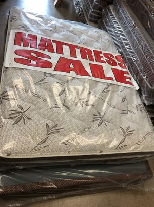 full matress with boxspring- for Sale in Pomona, CA