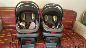 Graco Car seat w/base for Sale in Madera, CA