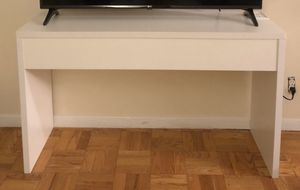 White tv stand / console table for Sale in New York, NY