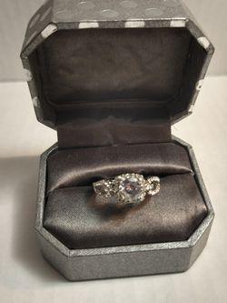 Looped Design Engagement Ring Size 8 for Sale in Albuquerque,  NM
