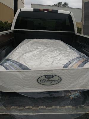 Colchón Twin size con base excelentes condiciones for Sale in Lynwood, CA