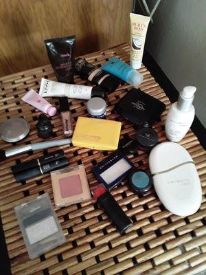 High end makeup bundle. for Sale in Phoenix, AZ