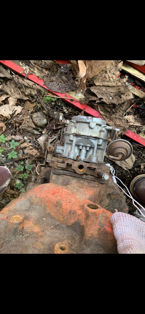 Chevy Small block intake and carburetor working unit