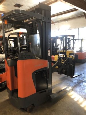 2015 Toyota 8BDRU15 Double Reach Truck Forklift for Sale in Claremont, CA