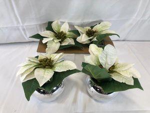 """Set of (4) 6"""" Mini Faux Poinsettia Plant for Sale in Pompano Beach, FL"""