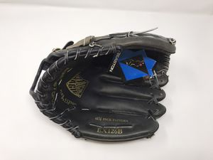 "New - Easton Black Magic EX126B 12.5"" Right-Hand Thrower Baseball Glove for Sale in Livermore, CA"