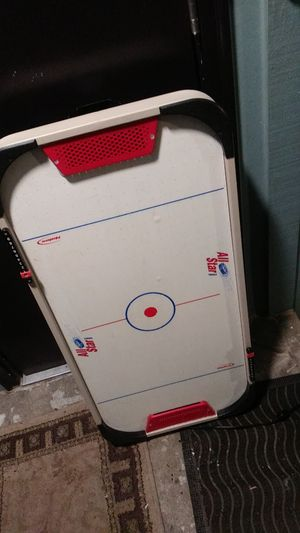 Air hockey mini table for Sale in Burien, WA