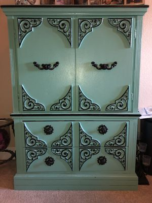 Antique wardrobe for Sale in Abilene, TX