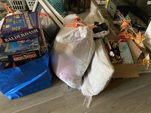 **PENDING PICKUP** Goodwill haul *FREE*. Must take all for Sale in Tacoma, WA