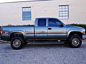 ֆ10OO 4WD Chevrolet Silverado 4WD for Sale in Prattville,  AL