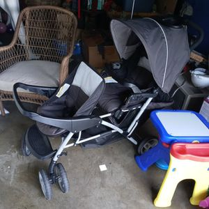 Double Stroller Carriola for Sale in Maywood, CA