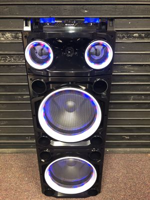 Bluetooth speaker 🔊 karaoke 🎤 for Sale in Chevy Chase, MD