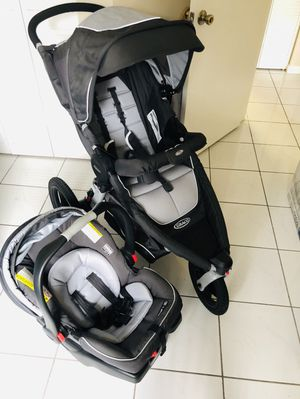 Graco stroller with car seat and base (almost new ) {contact info removed} for Sale in Miami, FL