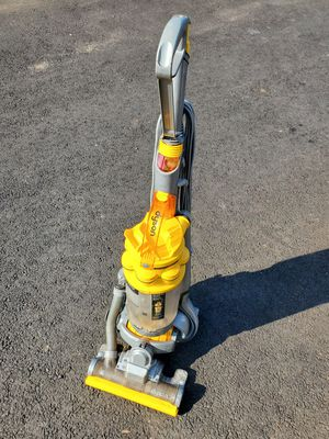 Dyson DC15 BRUSH WON'T SPIN for Sale in Bristol, PA
