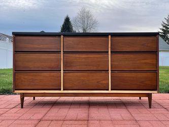 Mid-Century Modern Dresser for Sale in Auburn,  WA