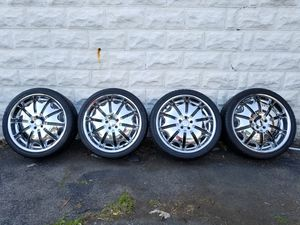 SET OF 4 CHROME RIMS WITH VERY GOOD TIRES 265/35R22 102V 8 1/2 JX22H2 $550 for Sale in Pretty Prairie, KS