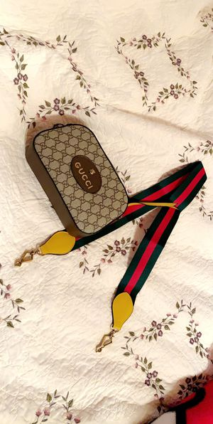 Gucci crossbody for Sale in Houston, TX