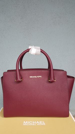 New Authentic Michael Kors Medium Burgandy Handbag Comes With A Long Shoulder Strap for Sale in Pico Rivera, CA