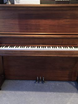 Piano In Great Condition for Sale in Tacoma,  WA