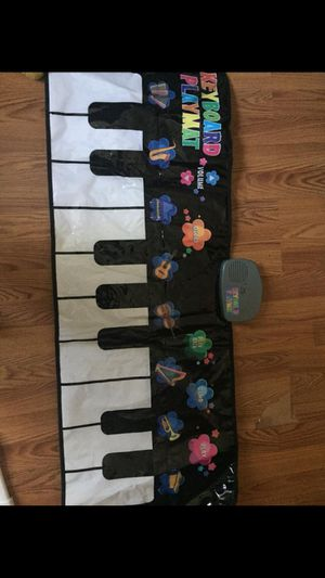 Car seat toy and piano for Sale in Paragon, IN