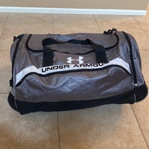 Under Armour Large Duffle bag for Sale in Riverside, CA