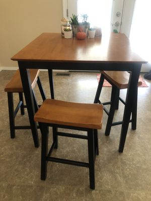 Tall Oak finish kitchen table for Sale in Saint Charles, MO