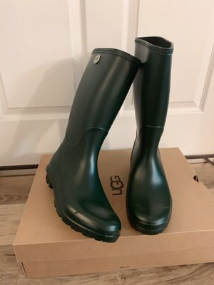 100% Authentic Brand New in Box UGG Shelby Matte Rain Boots / Women size 6and Women size 12 / Color: Olive for Sale in Lafayette, CA