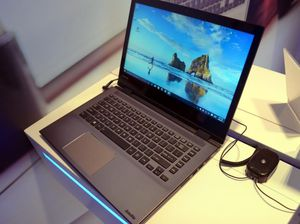 Toshiba laptop with touch screen for Sale in North Miami Beach, FL