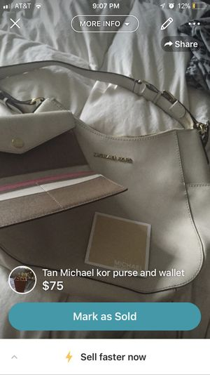 Michael kors purse and wallet normal wear for Sale in Pittsburgh, PA