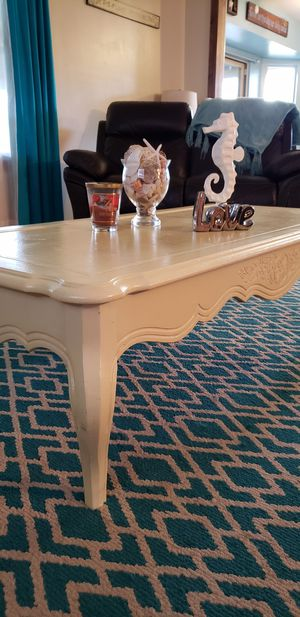 Vintage coffee table white yellowes for Sale in Yorkville, IL