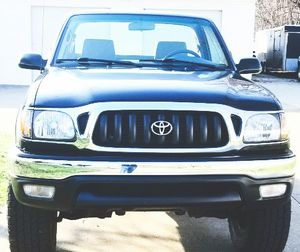 VERY CLEAN INSIDE AND TOYOTA TACOMA 2001 for Sale in Baltimore, MD