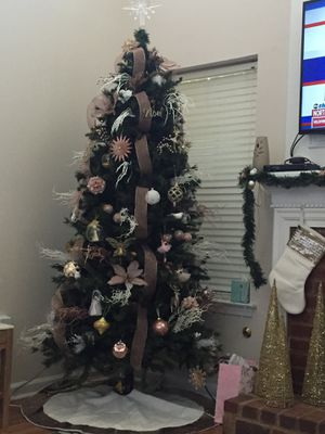 7.5 tree for sale great condition! for Sale in Alpharetta, GA