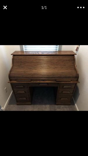 Desk wood nice for Sale in Richmond, CA
