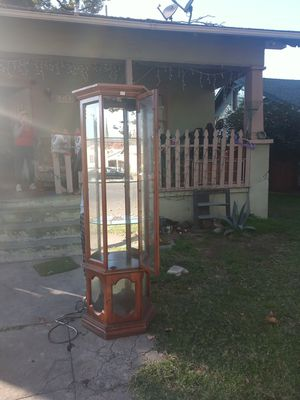 Glass cabinet for Sale in Modesto, CA
