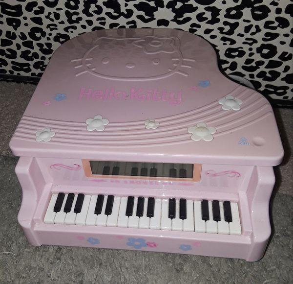 Hello Kitty Radio Alarm Clock