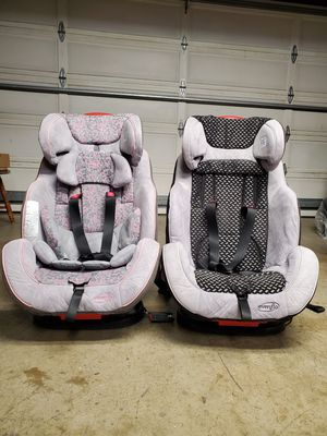 Evenflo EveryStage DLX 3-in-1 Convertible Car Seat for 20 - 65 lbs $60 each. for Sale in San Lorenzo, CA