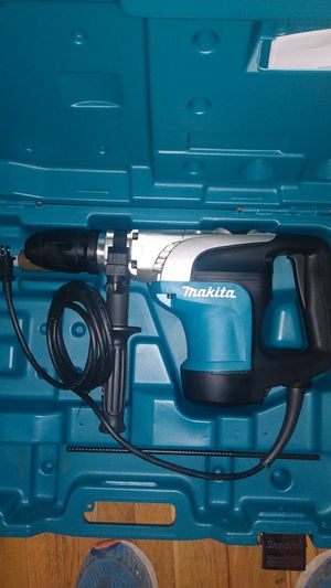 Makita 16 inch rotary hammer drill for Sale in Fort Collins, CO