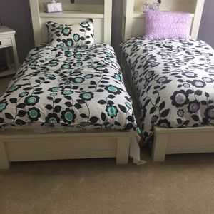 Pottery Barn Oxford Storage Bed (twin size) for Sale in Buffalo Grove, IL