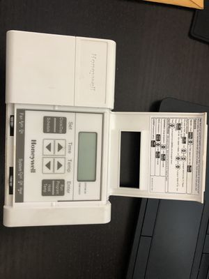 Honeywell thermostat for Sale in Modesto, CA
